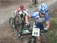 Ciclistes al Coll de la Creueta